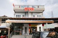 OYO 89915 East Mount Hotel