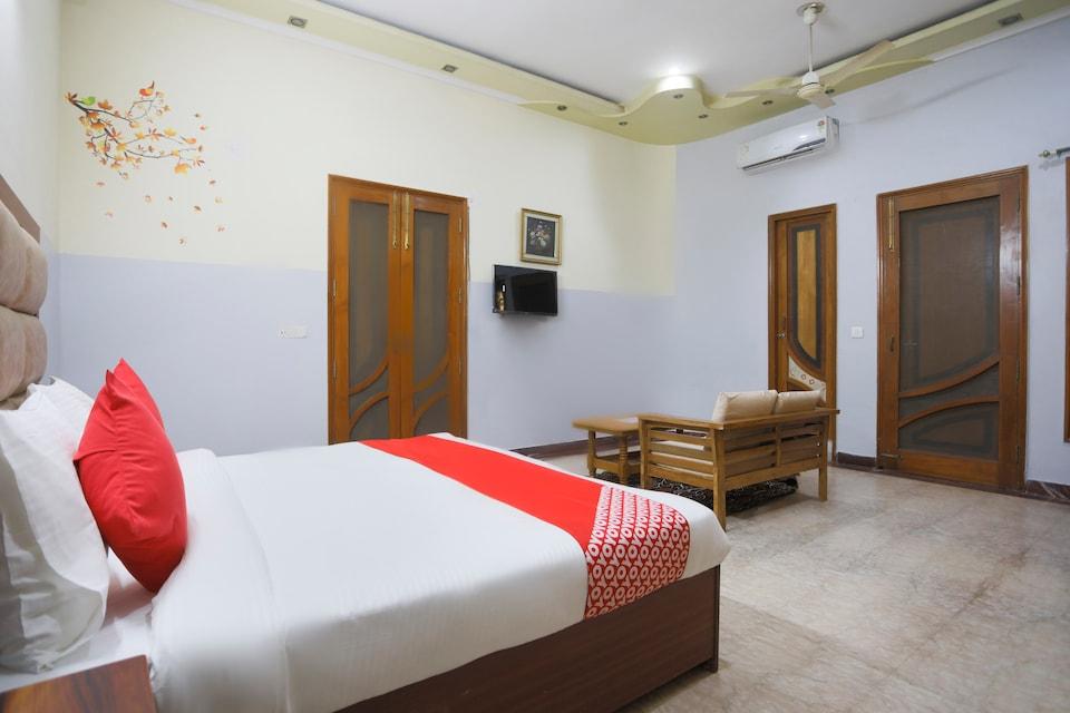OYO 70141 Vasanti Hotel