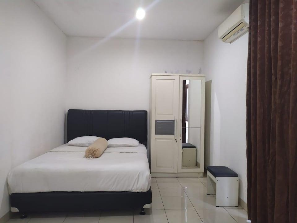 OYO 2951 Graha Ht Sumantri Guest House