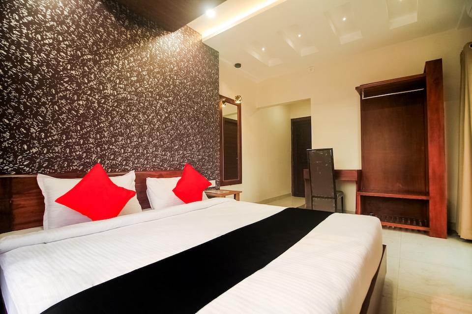 OYO 70170 Hotel Grand Palace Banquet, Bagdogra Airport Siliguri, Siliguri