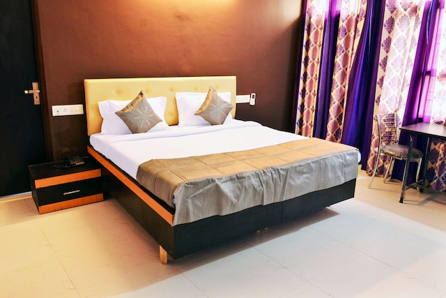 OYO Rooms 181 Near Chandigarh Railway Station