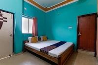 OYO 70205 Hotel Radha Krishna Inn