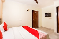 OYO 70214 Kartik House