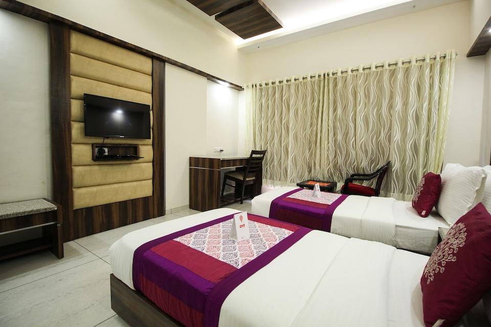 OYO 5797 Hotel Sach Residency