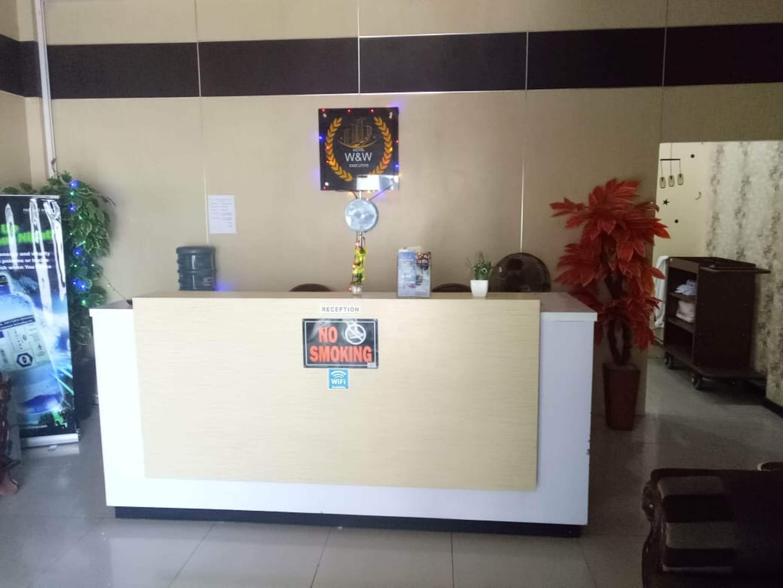 Oyo Hotels Hotels In Sendal Monic Bekasi Starting Rp65875 Upto 61 Off On 119 Sendal Monic Bekasi Oyo Hotels Hotels