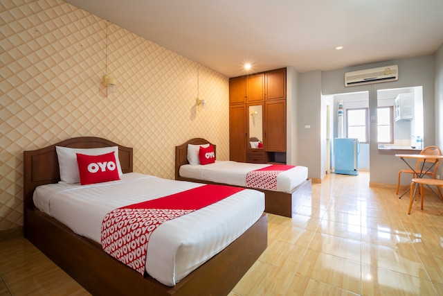 OYO 663 Green Beach Room