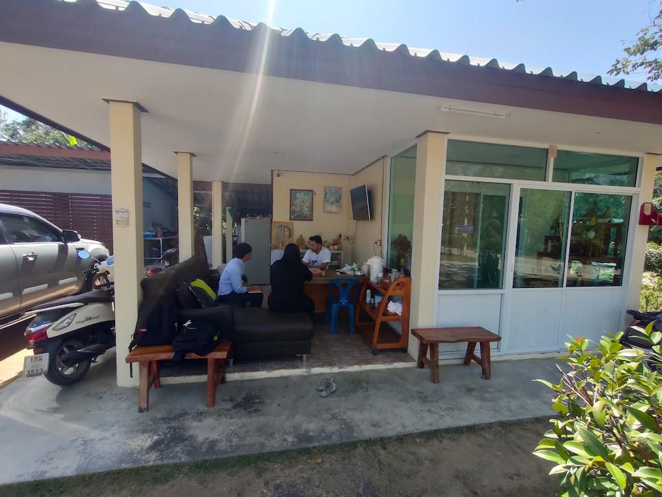 OYO 667 Kankrao Resort
