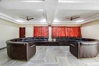 OYO 70306 Hotel Geetha International NON