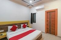 OYO 70362 Vishwanath Palace Deluxe