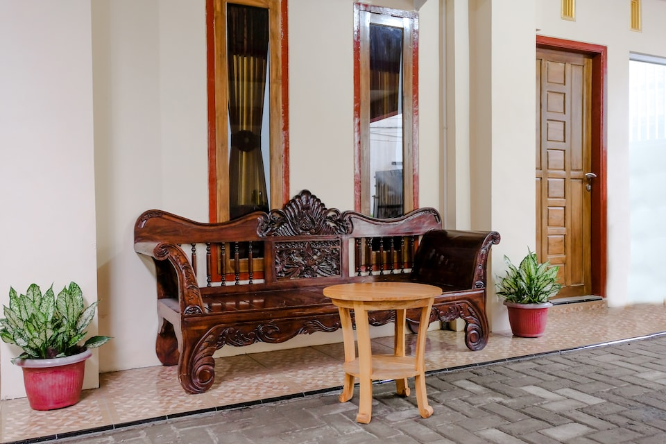 OYO 2986 D&a Guesthouse Syariah And Rent Car