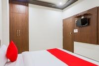 OYO 70438 Hotel R V Palace
