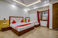 OYO 70458 South Galaxy