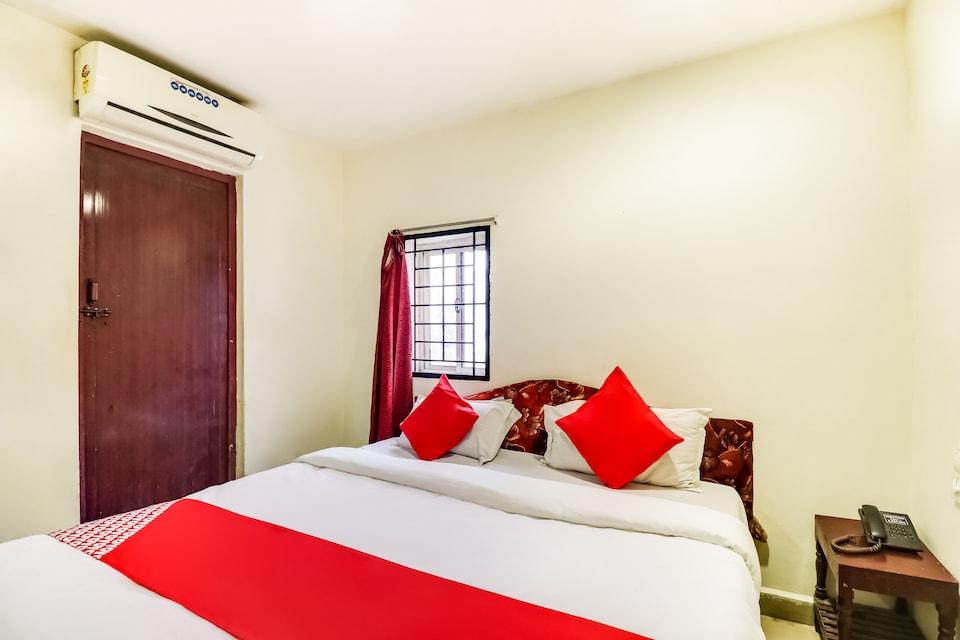 OYO 70481 Akshaya Residency