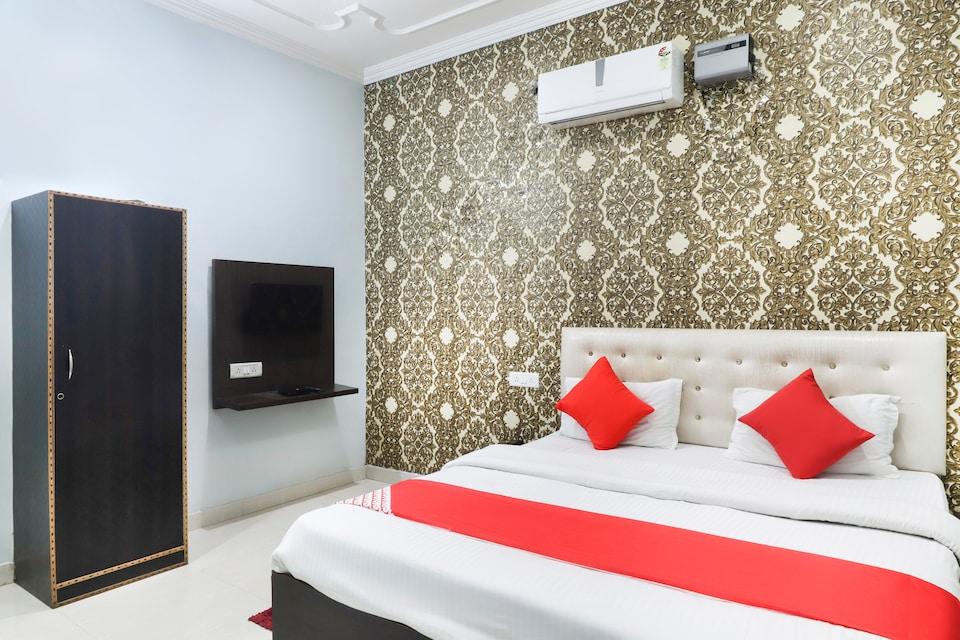 OYO 70489 Hotel Tajvar