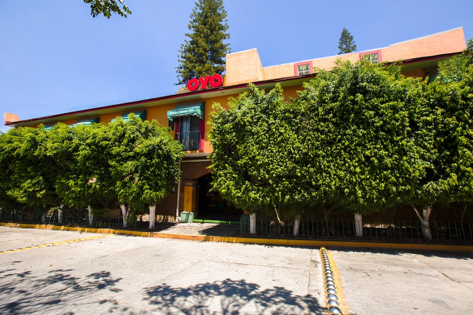 OYO Hotel Maria Teresa Inn