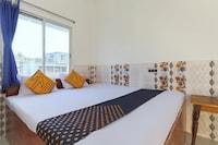 SPOT ON 70512 Tarurat Hotel