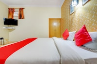 OYO 70530 Castle Guest House Deluxe