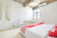 OYO 704 Siam Plug In Hostel