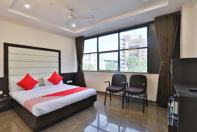 OYO 895 Hotel Silver Plaza