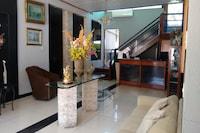 OYO Mindu Park Hotel
