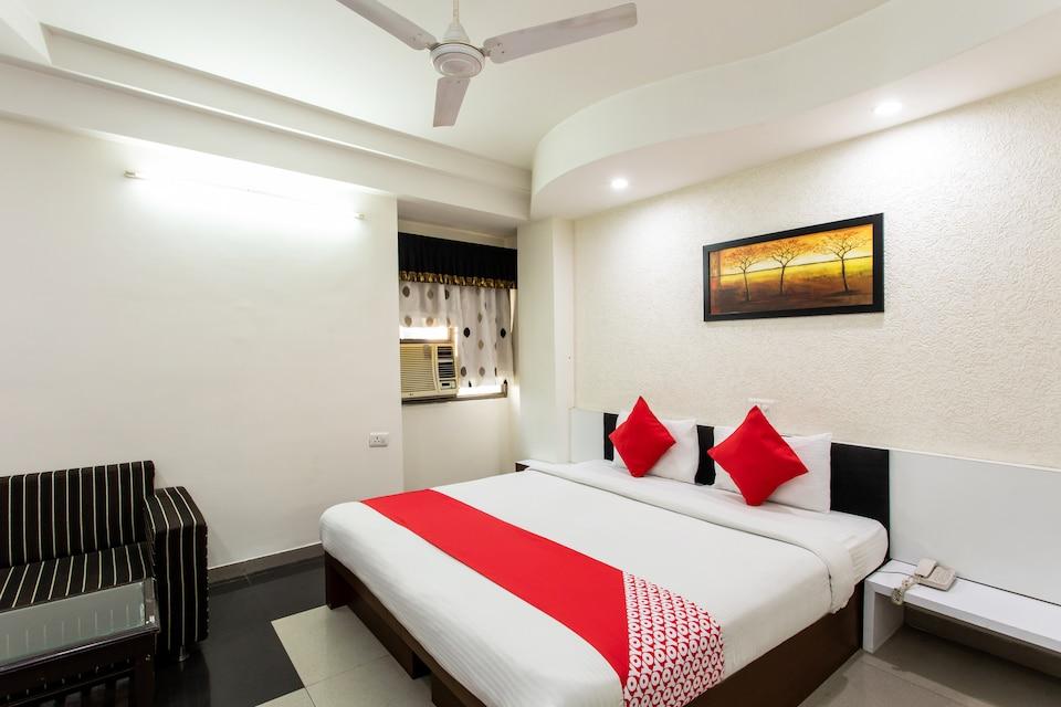 OYO 5839 Hotel Mohit Regency