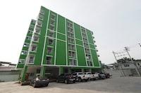 OYO 714 Cc Mansion