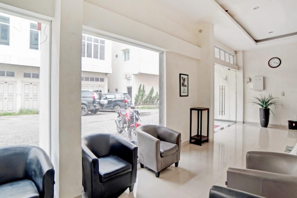 OYO 3051 Stm Suite, Medan, Medan