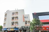Capital O 10720 Hotel Galaxy