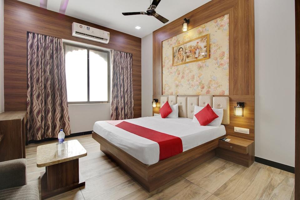 OYO 70627 Anjali Lodge