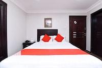 OYO 411 Moon Hotel