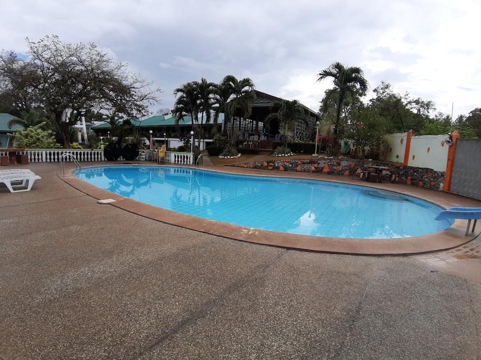 OYO 565 Hillside Resort