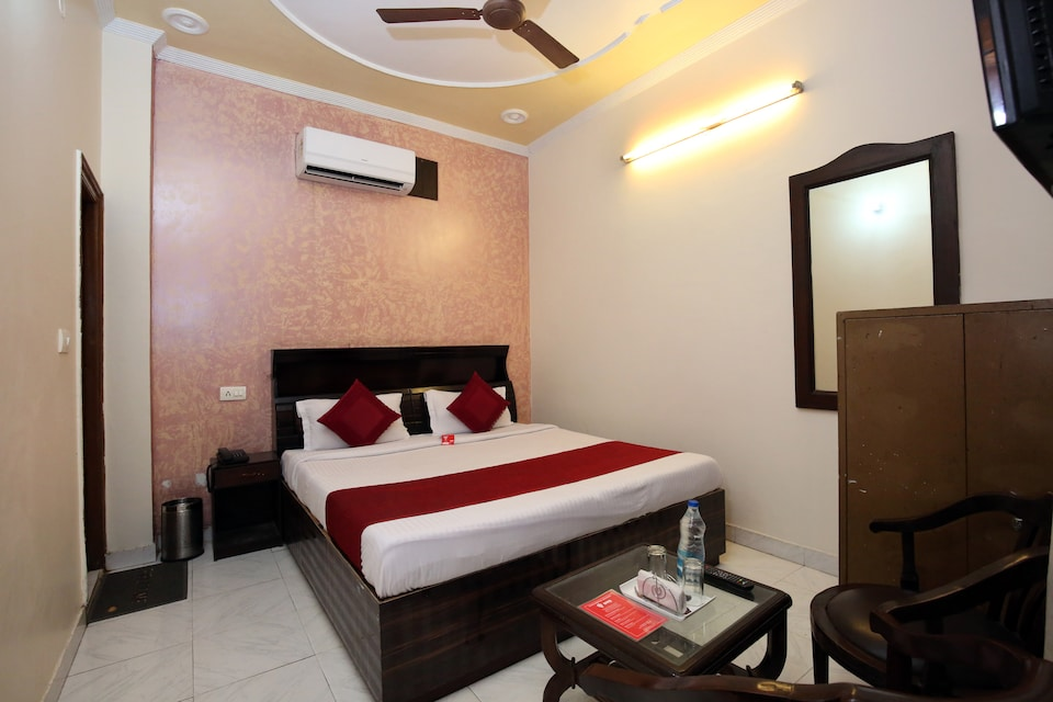 OYO 5853 Hotel Shingar Regency