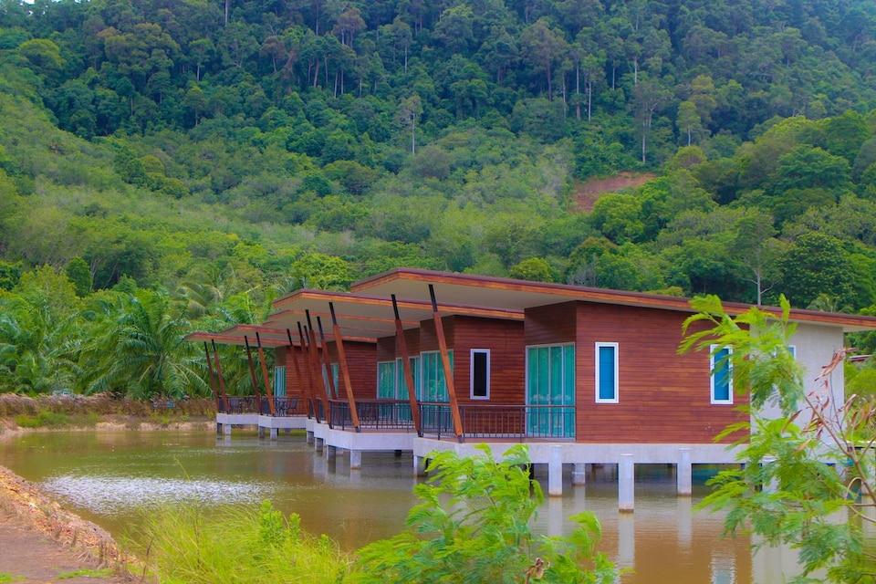 OYO 729 Amantra Lake View Resort