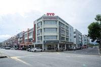 OYO 89966 Green World Hotel @ Seri Putra