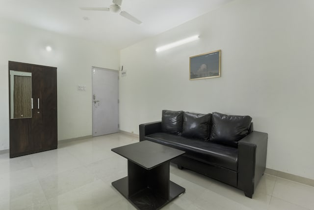 OYO Home 70688 Elegant Luxurious Stay Pawana Road
