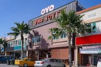 OYO 89976 Fins Hotel