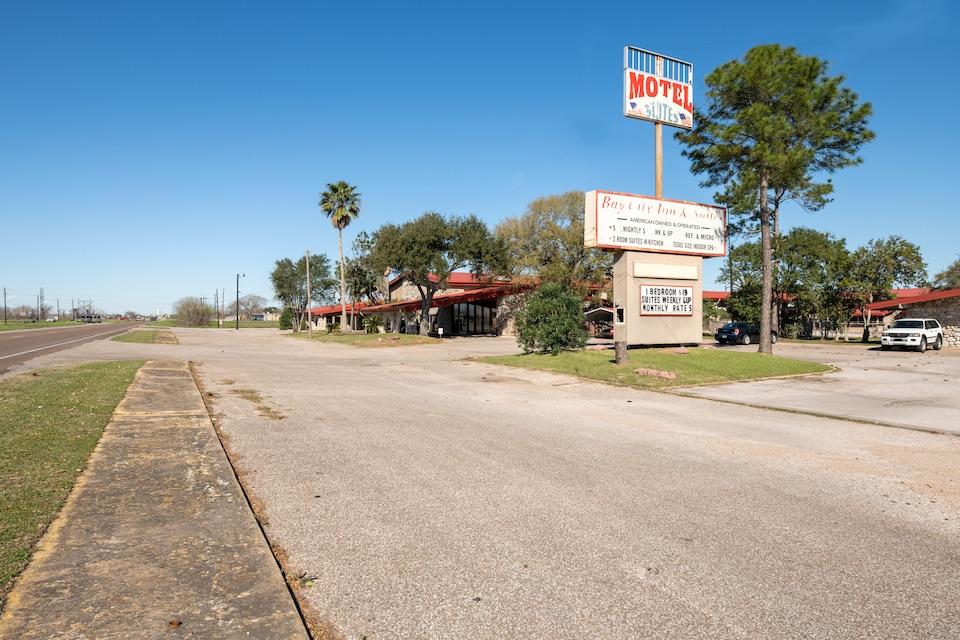 Hotel O Bay City, TX-35