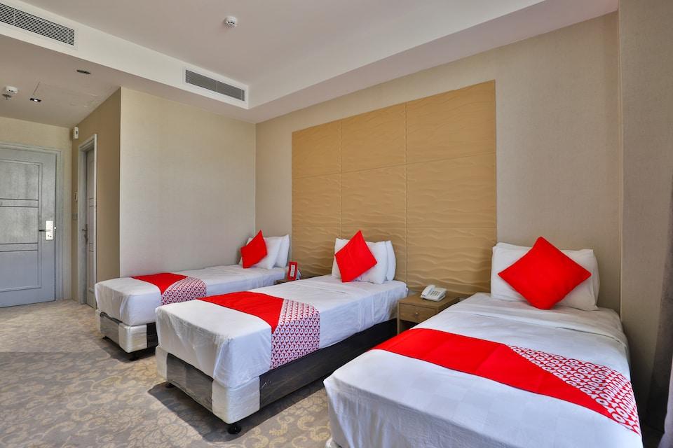 OYO 428 Maya Palace Hotel