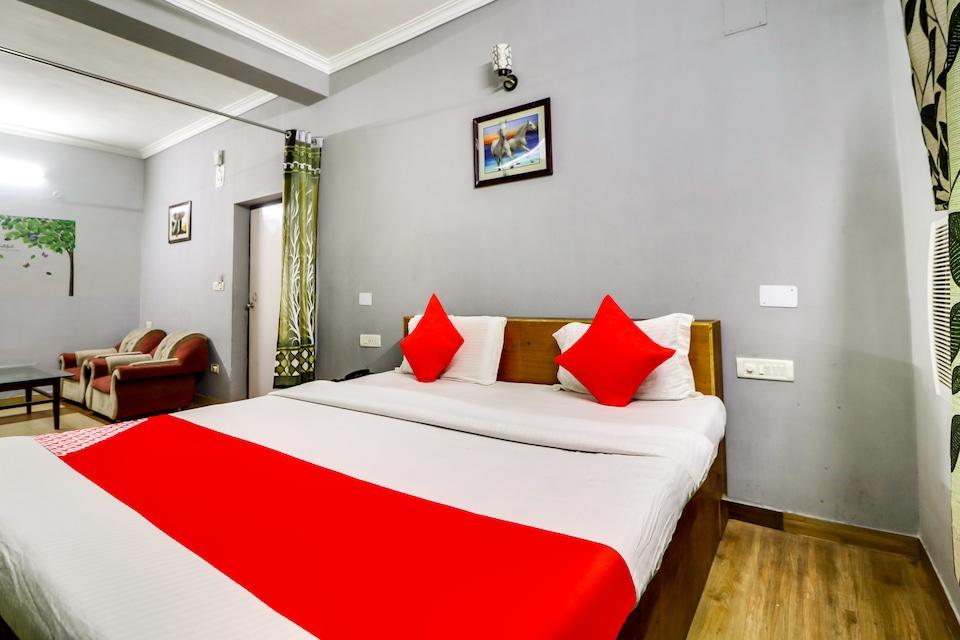 OYO 70737 Hotel Ss Palace