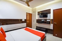 OYO 70744 Hotel Atharv