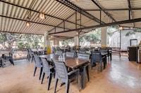 OYO 70767 Swaraj Exotica Resort