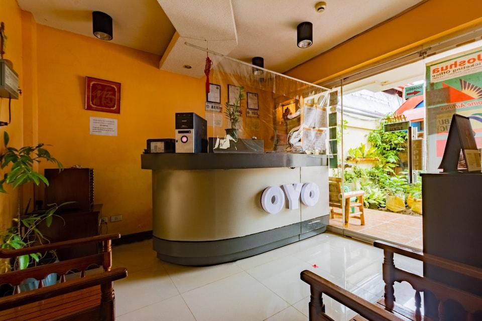 OYO 573 Voyagers Palace