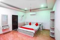 OYO 70814 Hotel Aditya Residency