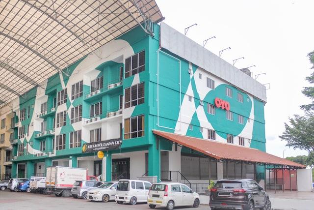 OYO 89995 Glex Hotel Pandan City