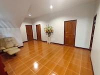 OYO 751 Vandee Guesthouse