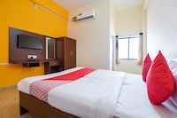 OYO 70920 Hotel New Poorvi Residency