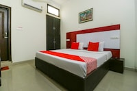 OYO 70929 Acc Guest House Only For Families