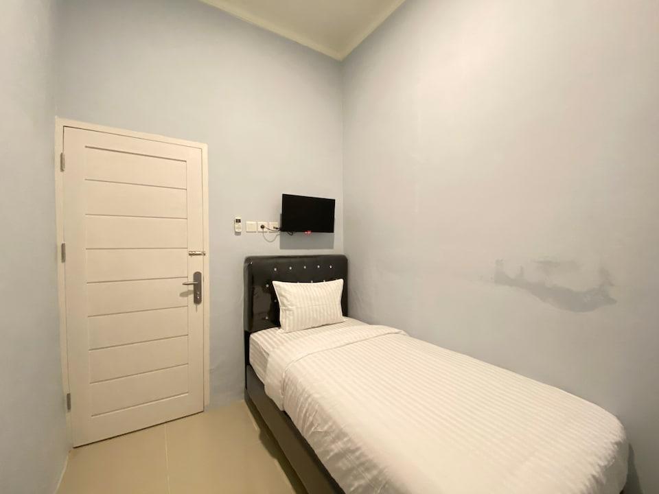 OYO 3160 Guesthouse Pagi Sore Syariah