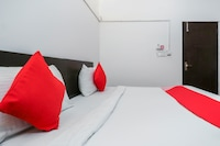 OYO 71036 Hotel Monarch Paradise