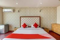 OYO 71042 Sahara Estate
